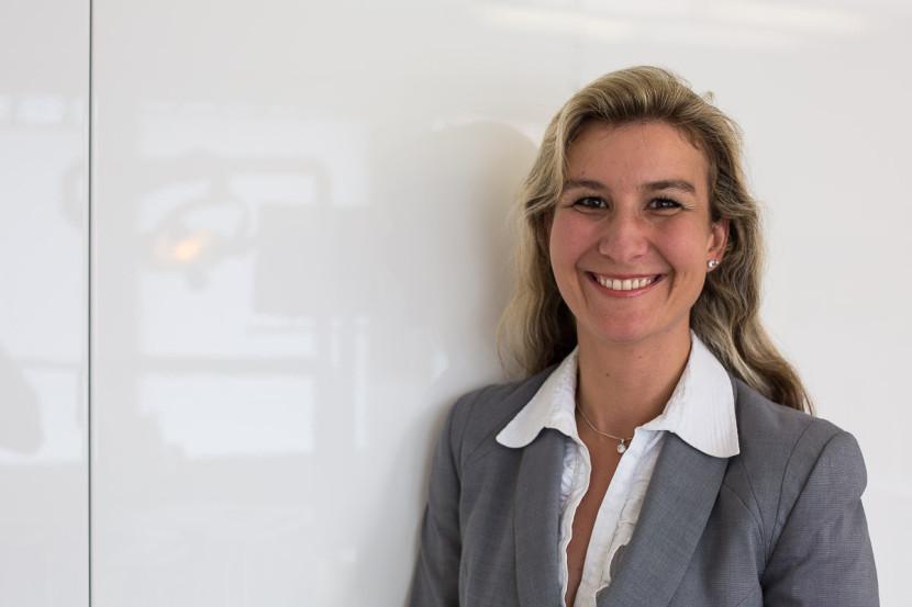 Dr. med. dent. Bettina Haas - Businessportrait Zahnärztin Nürnberg