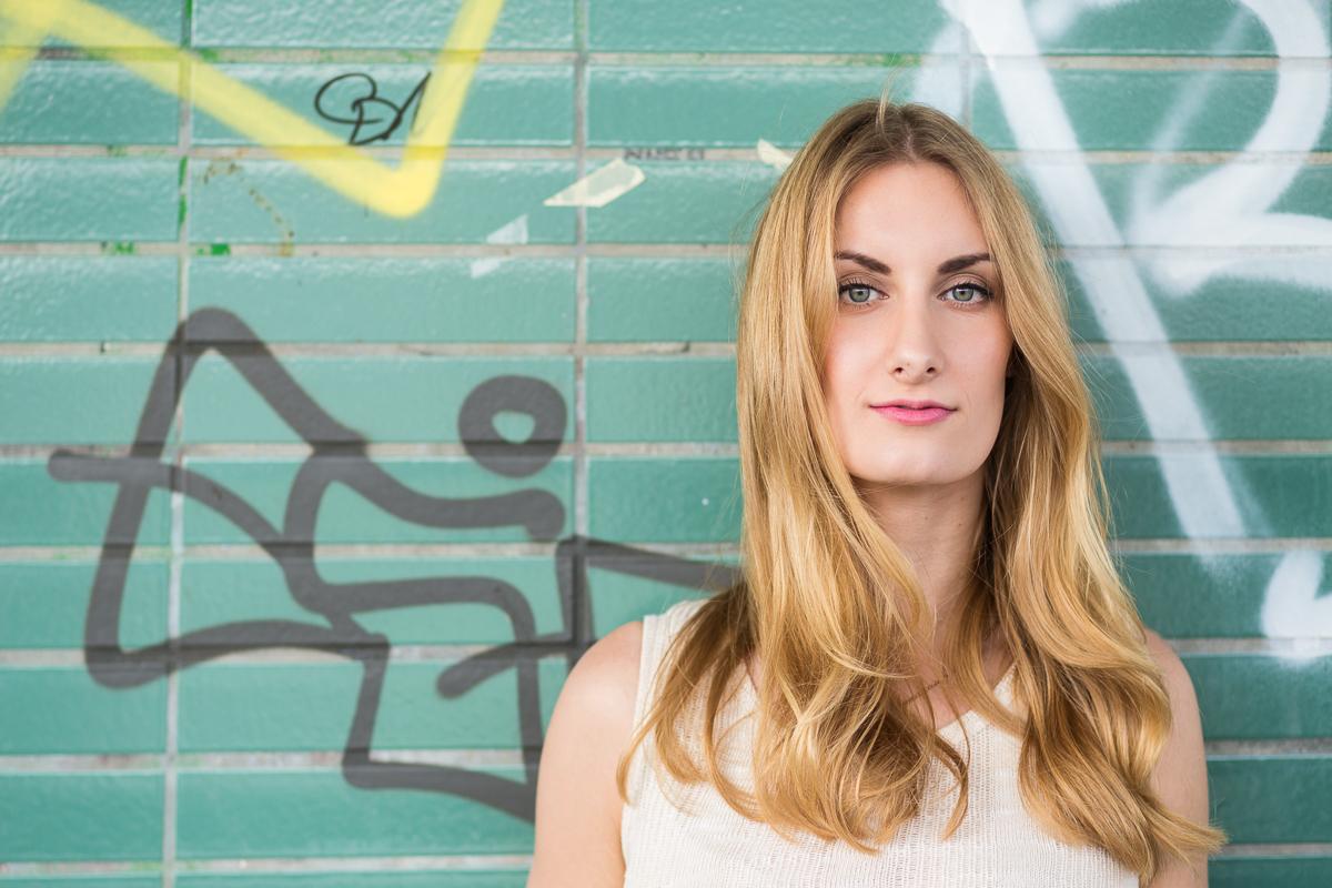 Portrait-Fotograf-Nürnberg-Available-Light-Leonie-04.jpg