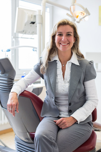 Dr. med. dent. Bettina Haas - Businessportrait Zahnärztin Nürnberg