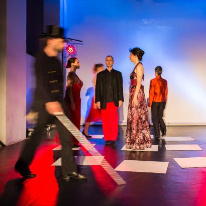 Spielfeld E!MOTION2013COLLECTIVE Anne Devries - Tanz Werkstatt 141 KUF Kultur Nürnberg