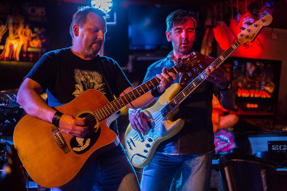 Fotos Coverband Heavy Acoustic Sound Solution live Concert Brown Sugar Rockcafé Nürnberg
