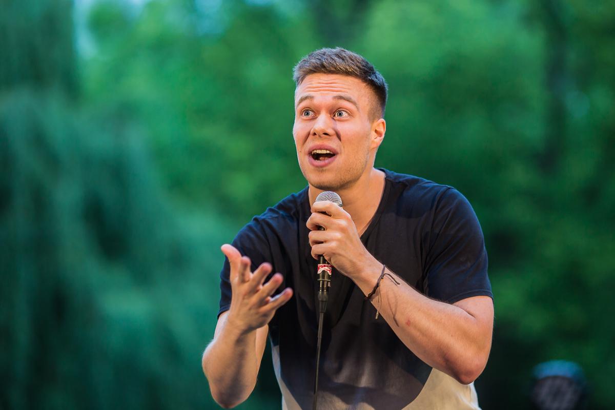 Live Fotos Comedy Nick Schmid offene Kleinkunst Bühne Freilichtbühne Stadtpark Fürth
