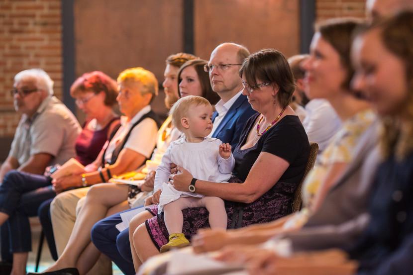 Fotograf Taufe Auferstehungskirche Nürnberg Lotta