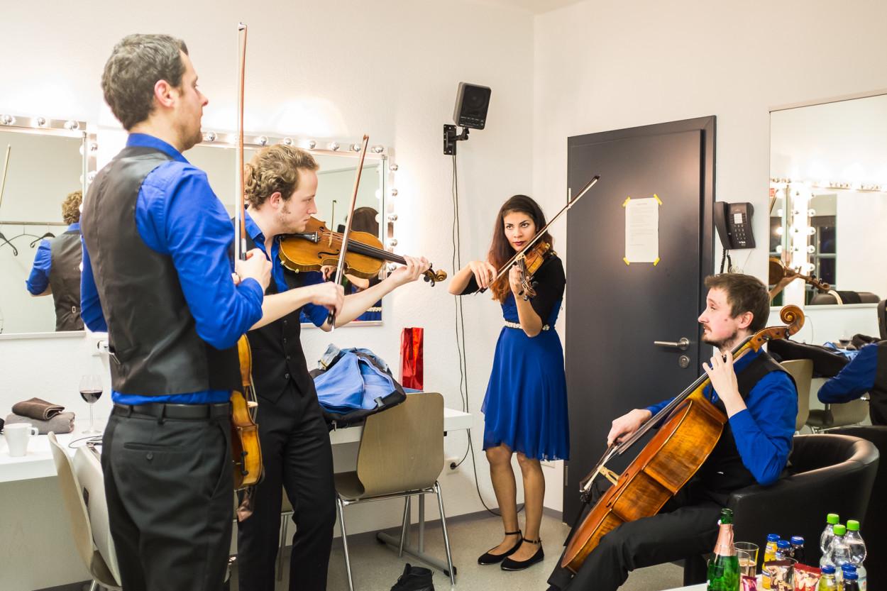 Garderobe Konzert Feuerbach Quartett Kulturforum Fürth Fotograf Jürgen Klieber