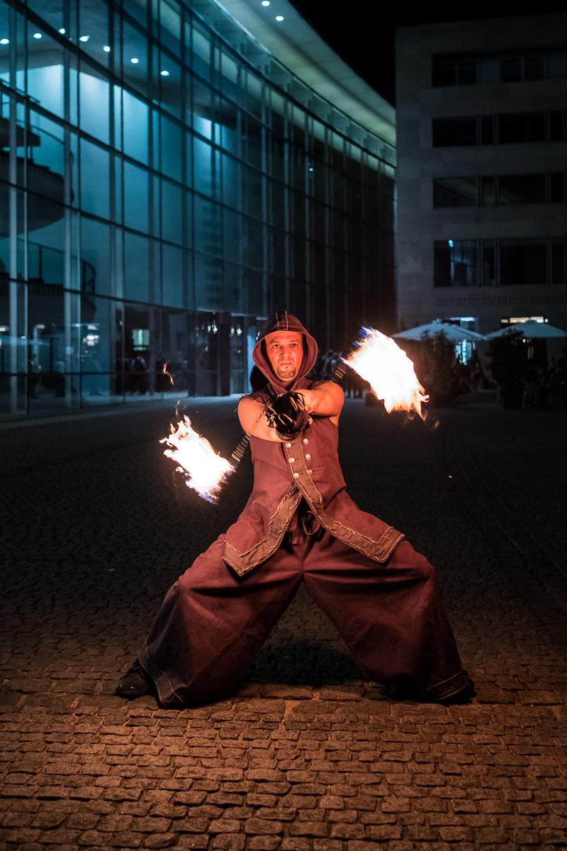 Available Light Business Portrait Feuer Künstler Nürnberg Fotograf Jürgen Klieber